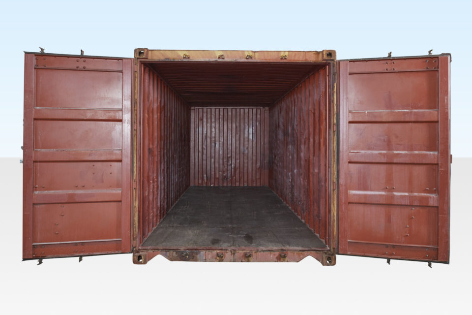 20ft container for hire. Doors open.