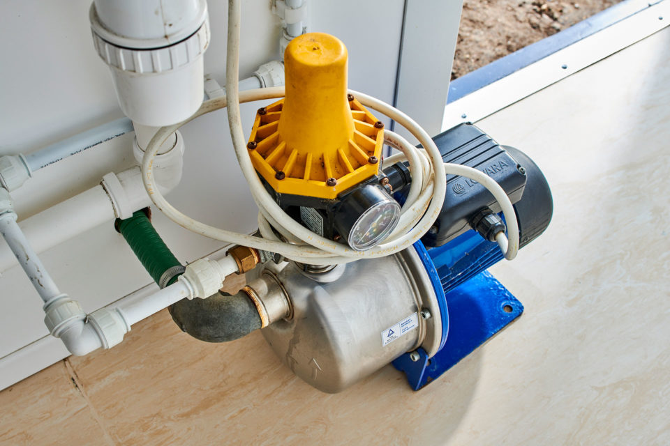 Booster pump in toilet for hire