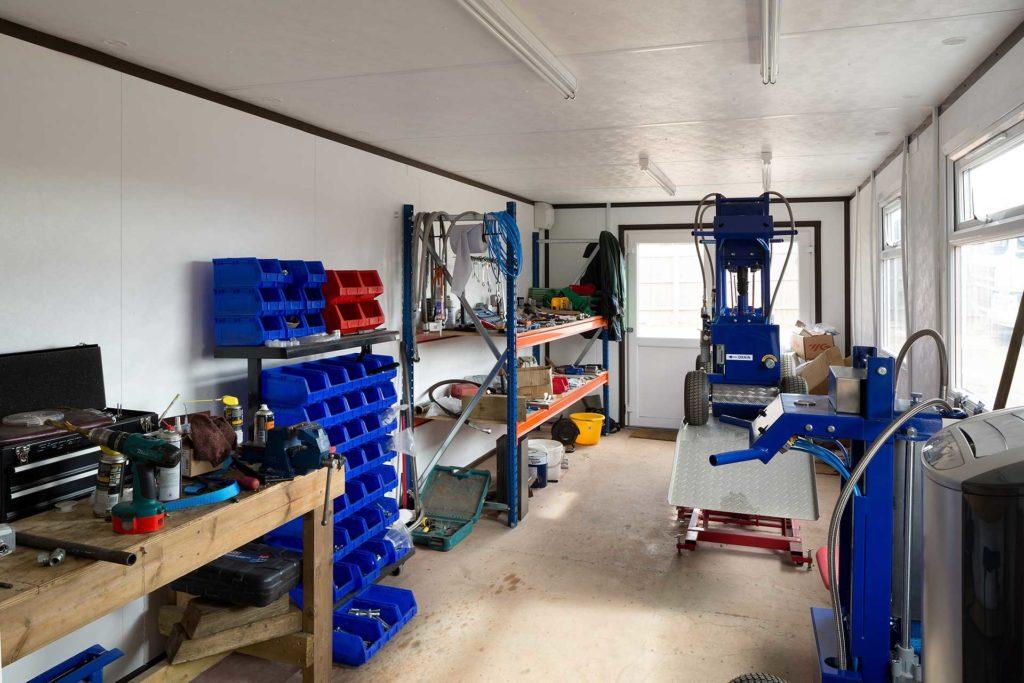 Equipment in jackleg cabin
